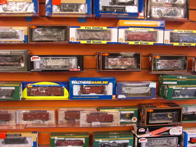many brands of HO rolling stock